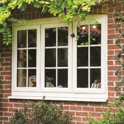 Halo casement window