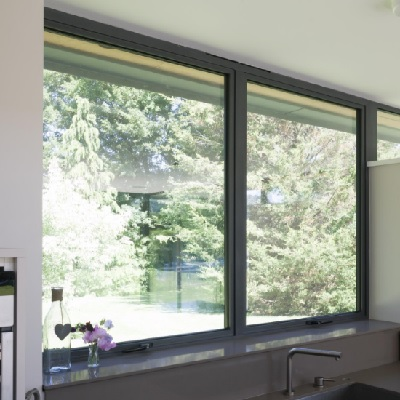 Smart casement window